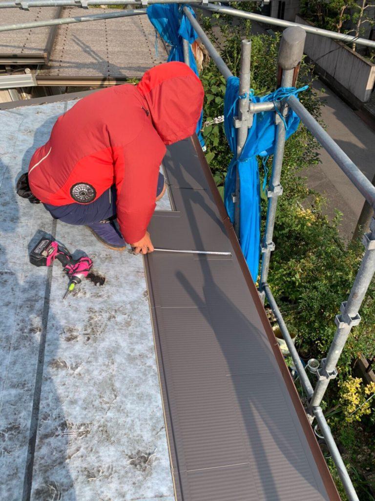ガルバリウム鋼板屋根材