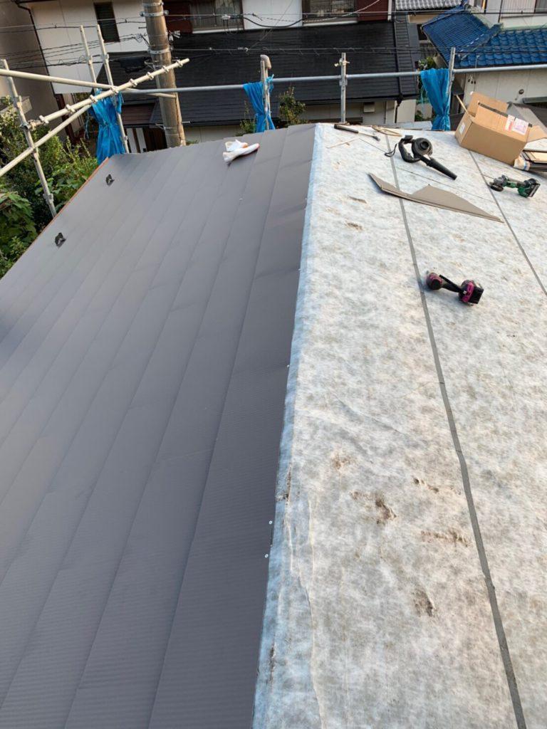 ガルバリウム鋼板葺き替え