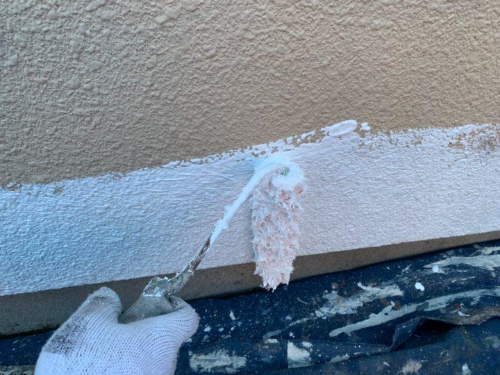 車庫下塗り作業(マスチック塗装)