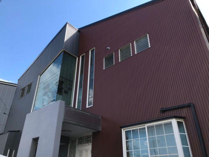 築35年 火災保険の手続きが無事に済み外壁と屋根、樋の工事をさせていただく事になりました!屋根工事はシーガードによる新しいカバー工法をされました。岐阜市、各務原市、美濃加茂市 地域密着の屋根工事&外壁塗装門店フィールグッド
