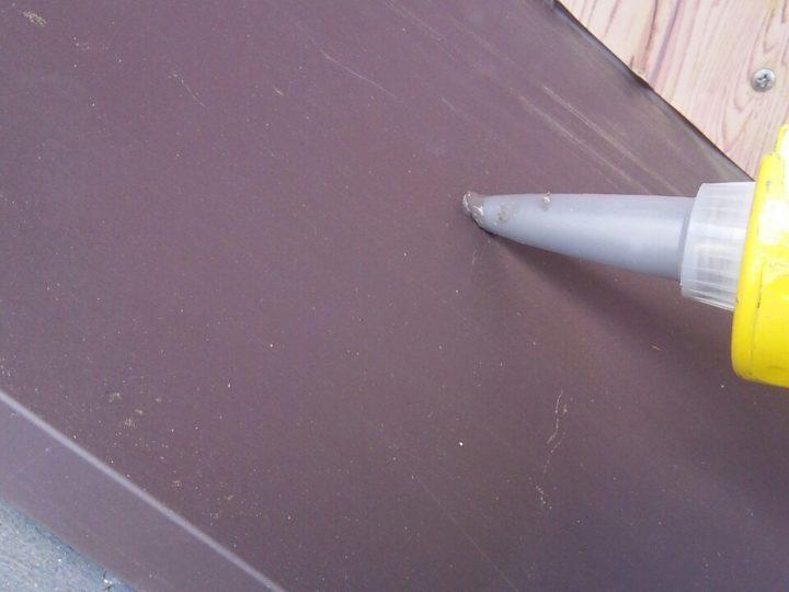 水切り板金の増しばりを固定