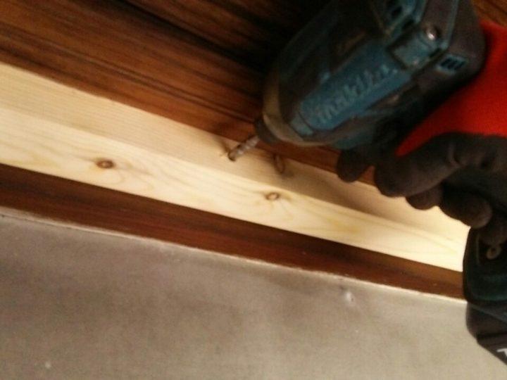 玄関上天井の増しばり作業