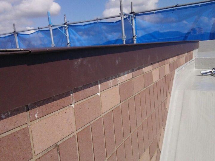 屋上水切り板金設置