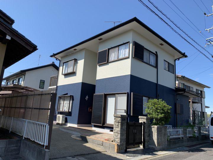 美濃加茂市K様 外壁がチョーキングしていたのと、白い汚れが気になっていたので7月に開催されていたイベントに行って話を聞いてみました。