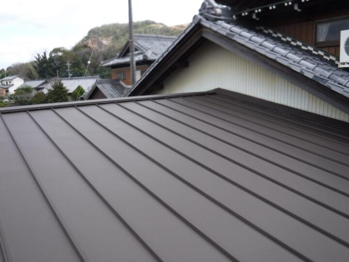 各務原市G様 ご主人様が建築関係で50年くらいはご自身で屋根の塗装をされていましたが、だんだん錆がひどくなってきて雨漏りする前に何とかしたいなぁと思っていました。