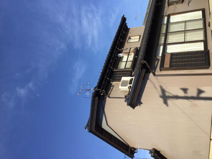 岐阜市M様 台風で外壁が破損してしまい、その改修工事が必要になったので見積りの書類作成してもらえる工事業者を探していました。feelgoodさんの会社には弁護士さんもいたので工事をお任せしました。