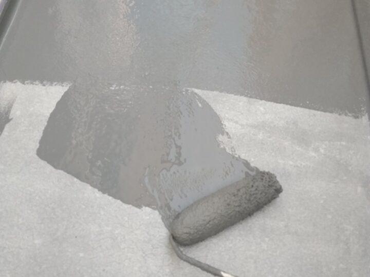 ベランダ防水塗装上塗り1回目