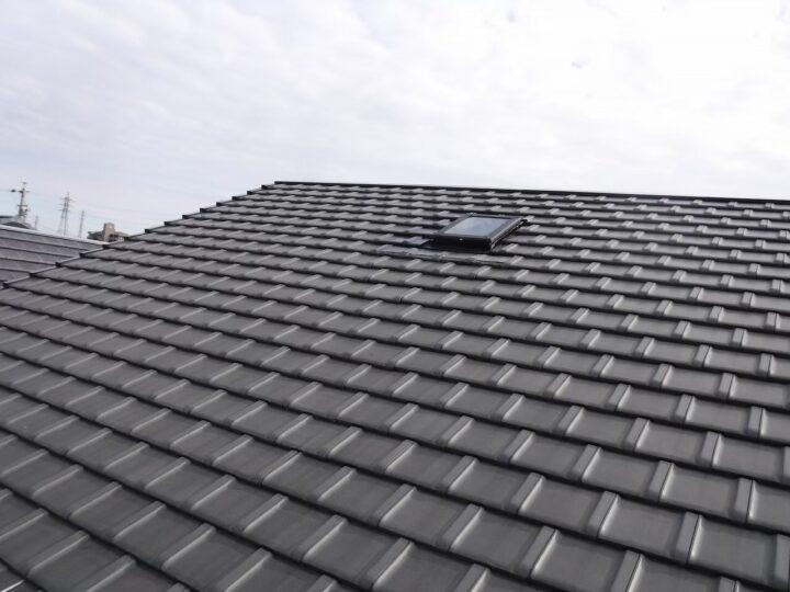 各務原市K様 部屋の天井や屋根裏の収納が濡れているのを発見したので屋根の調査依頼をしました!